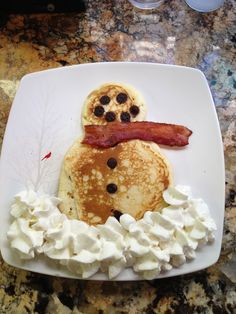 Snowman Pancakes || #LittlePassports #winter #crafts for #kids
