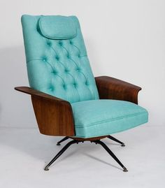 Chair Designs that Will Look Great on Your Interior Design: Light Blue Color Applied On Mid Century Chairs To Get Inspired Finished With Woo. Mid Century Chair, Mid Century Decor, Mid Century House, Mid Century Style, Mid Century Design, Mcm Furniture, Vintage Furniture, Furniture Design, Silla Art Deco