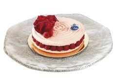 Le Rosier  Macaron, crème mousseline à la rose et framboises fraîches.  www.stohrer.fr