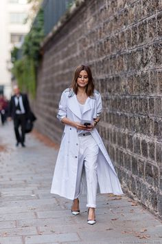 Like a fashion editor: white pants with white coat