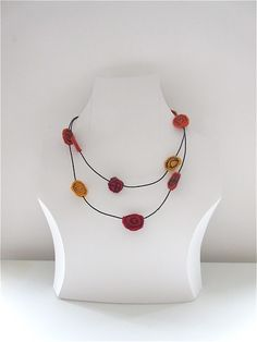 Schmuck aus winzigen Resten / Necklace made with tiny scraps / Upcycling