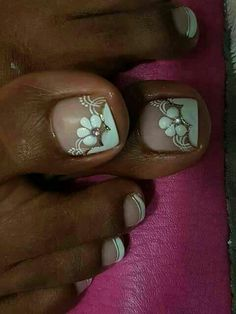 French nails with floral designs. Toenail Art Designs, Pedicure Designs, Pedicure Nail Art, Nail Polish Designs, Trendy Nail Art, New Nail Art, Cool Nail Art, Pretty Toe Nails, Cute Toe Nails