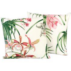 Kissen mit Orchideendruck.