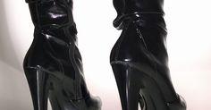 Bota Bico Fino Salto Alto Fino Em Nobucado Preto Com Pelo De