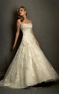 Gorgeous lace + ballroom gown= perfect combination!! :) LOVE!   A-line Floor-length Strapless Dress White Button Wedding Gowns Lace Applique Sweep Train