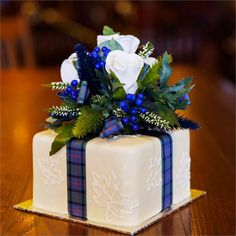 Noreen & Danny's Real Wedding - Wedding Cake for Two
