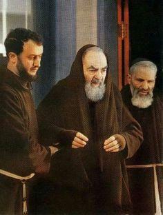 Santo Padre Pío.