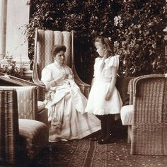 Grand Duchess Anastasia with her mother, Tsarina Alexandra, in about 1908