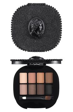 Cute MAC cameo eyeshadow palette with eight gorgeous shades.
