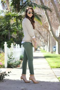 Coast With Me: Neutral Colors @RitaKorkounian wearing the HUDSON Collin Skinny in Hunter Green.