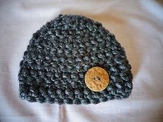 crochet bulky chunky baby beanie hat with large button