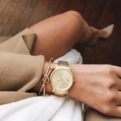 All gold everything✨ Less than 24 hours left in our Year End Sale! 15% off all watches, link in bio! #jointhemvmt (:@litttlelily)