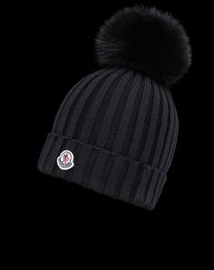 5a3615c3ae4 Discover HAT in Hat for Women  find out the product features and shop  directly from the Moncler official Online Store.