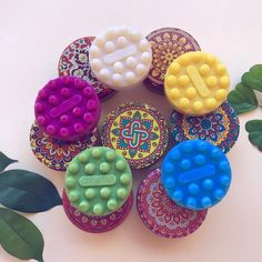 Canned shower soap decorated with mandalas, Jabon with base in olive oil, round soap with aromas Base, Desserts, Incense, Rain Shower Heads, Aromatherapy, Hand Made Gifts, Soaps, Tailgate Desserts, Deserts