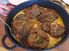 Risotto con zafferano e osso buco Risotto, Beef, Food, Gastronomia, Meat, Meals, Ox, Yemek, Eten
