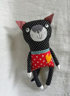 Amazing Home Sewing Crafts Ideas. Incredible Home Sewing Crafts Ideas. Fabric Toys, Paper Toys, Fabric Animals, Monster Dolls, Cat Doll, Sewing Dolls, Cat Pattern, Soft Dolls, Diy Toys