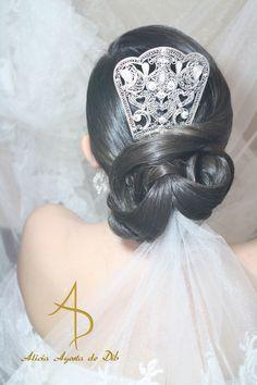 Inspiración flamenca para el tocado de novia. Por Alicia Ayesta de Dib. Venezuela