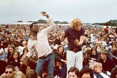 Woodstock - an Iconic Music Festival: Best Photos and Untol. Woodstock Festival, Relaxing Images, Isle Of Wight Festival, Open Air, Rock Artists, Celebrity Photos, Climate Change, Rock And Roll, Cool Photos