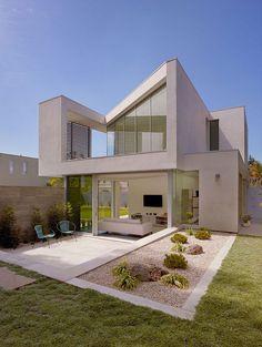Ehrlich Retreat + in Santa Monica, California by John Friedman Alice Kimm Architects (JFAK). Photography by Fotowork