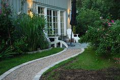 paver lined gravel walkway Gravel Walkway, Wood Walkway, Outdoor Walkway, Backyard Patio, Backyard Landscaping, Terrace Garden, Garden Paths, Rustic Gardens, Outdoor Gardens