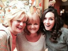 Mrs Patmore from 'Downton Abbey' Guest Stars on 'Raising Hope' Series Finale Tomorrow Night! Martha Plimpton, My Name Is Earl, Downton Abbey Cast, Raising Hope, Movie Tv, Fangirl, It Cast, Stars, Sterne