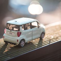 Go anywhere we can take a rest with warm sunshine - 따스한 햇살과 어디든 함께 해요! - #startyourjourney #warmsunshine #withyou #letsgo #anywhere #everywhere #park #travel #drive #car #carsofinstagram #diecast #RAY #KIA