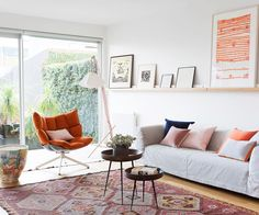 An experimental makeover approached with a sense of fun and creativity has transformed a dark Melbourne terrace into a bright and bubbly home. Eclectic Living Room, Living Room Colors, Living Room Grey, Living Room Decor, Living Rooms, Dulux Paint Colours White, Maximalist Interior, Daybed Design, Victorian Terrace