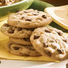 Chunky Chocolate Chip Peanut Butter Cookies- totally going to try to make these this weekend for my husband's birthday.  but we don't like nuts in our cookies, so i'll leave those out, and put some peanut butter chips in with the chocolate chips.  hope it's as delicious as it seems it will be in my head!