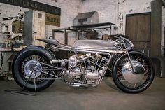 '65 Harley Ironhead by Hazan Motorworks. (via '65 Harley Ironhead – Hazan Motorworks | Pipeburn.com)