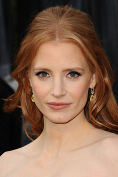 Loved Jessica Chastain's hair & makeup #oscars2012