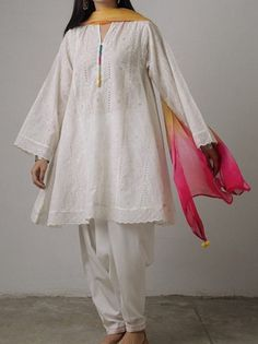 36 Trendy Sewing Projects For Women Art Styles Pakistani Formal Dresses, Pakistani Fashion Casual, Nikkah Dress, Pakistani Dress Design, Pakistani Outfits, Indian Fashion, Stylish Dresses For Girls, Simple Dresses, Casual Dresses