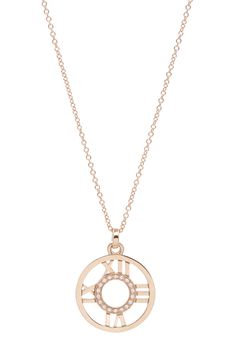This gorgeous necklace brings opulence in small proportions. The iconic Atlas design is so timeless in its simplicity.