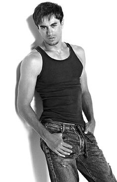 See the latest images for Enrique Iglesias. Listen to Enrique Iglesias tracks for free online and get recommendations on similar music. Enrique Iglesias, Photo Book, Pretty People, Beautiful People, Latino Men, Attractive Men, Gorgeous Men, My Idol, Sexy Men