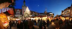 A panorama of the Leipzig Christmas Market at the market place.   © Stadt Leipzig/Bolko Kosel