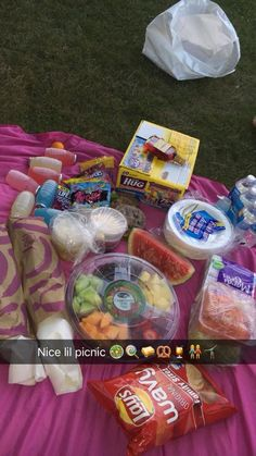 Pin by tayva murphy on m u n c h i e s Sleepover Snacks, Fun Sleepover Ideas, Summer Fun, Summer Time, Summer Goals, Best Friend Dates, Cute Date Ideas, Fun Ideas, Junk Food Snacks