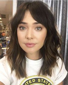 best medium length hair with bangs bob haarschnitte 50 heieste bob frisuren fr 2018 bob hair inspiration Medium Length Hair With Bangs, Medium Layered Hair, Medium Hairstyles With Bangs, Haircut Medium, Medium Cut, Shoulder Length Hair Bangs, Cute Medium Length Hairstyles, Layered Hair With Bangs, Haircut Short