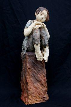 As expressivas esculturas em argila de Jurga Martin Mais