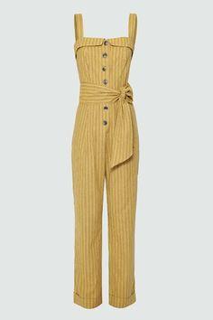 Macacão Linho Listras Isabel - Mostarda | Amissima Fashion Pants, Fashion Outfits, Womens Fashion, Jumpsuit Elegante, Fashion Vocabulary, Jumpsuit Outfit, Jeans Style, Playsuit, Kpop