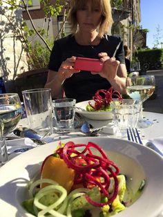 Ben je een ergeniswekkende gast? Getting To Know You, Restaurant, Tips, Diner Restaurant, Restaurants, Dining, Counseling