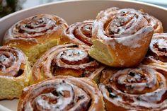Συνταγή για υπέροχα ρολά κανέλας με γλάσο ή cinnamon rolls!