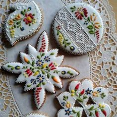 Look at these lacy cookies!! Unfortunately I have no idea who the baker/artist is.