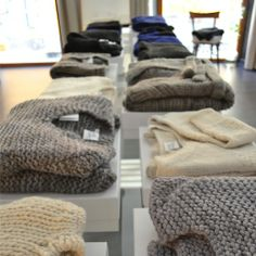 knitbrary pop-up