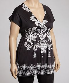 Tunics are a perfect piece—just throw them on over a pair of leggings for an easy yet polished and put-together look. This one looks especially posh when worn with a brightly colored necklace.Size note:This item runs small. Please refer to the size chart.95% polyester / 5% spandex