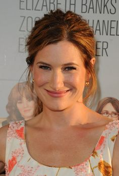 Picture of Kathryn Hahn Pretty People, Beautiful People, Beautiful Women, Famous Celebrities, Celebs, Female Comedians, Kathryn Hahn, People Of Interest, Celebrity Portraits