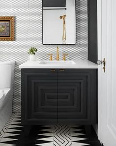 45 Hanging Bathroom Storage Ideas for Maximizing Your Bathroom Space - The Trending House Black And Gold Bathroom, Black White Bathrooms, Black Vanity Bathroom, Bathroom With Black Cabinets, Black Bathroom Paint, Charcoal Bathroom, Bathroom Cabinets, Downstairs Bathroom, Small Bathroom
