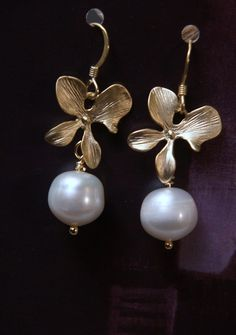 Gold+flower+white+freshwater+pearl+earrings+by+arionjewelry,+$33.00