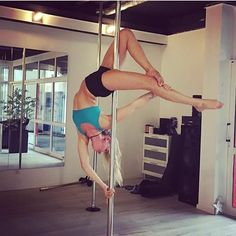 @pole_zerogravity_mia says this BRASS MONKEY VARIATION was inspired by @kiranoire. Which pole dancers have inspired you to level up? Tag them below  #PoleDanceNation ✨ Posted by PDN Creator @NikkiStJohn