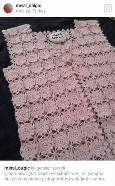 This Pin was discovered by Eda Crochet Baby Dress Pattern, Crotchet Patterns, Crochet Coat, Crochet Cardigan, Crochet Clothes, Crochet Doilies, Crochet Stitches, Hand Work Design, Crochet Blocks
