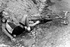 Tour de France 1978. 17^Tappa, 18 luglio. Grenoble > Morzine. Col du Granier. Hennie Kuiper (1949). Brutta caduta in discesa e frattura della clavicola: per il campione olandese il Tour finisce qua.