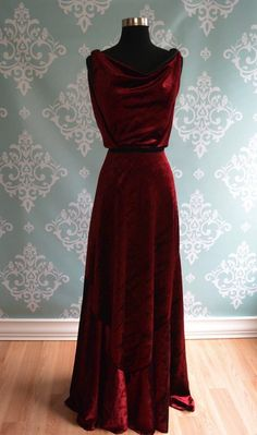 Backless Velvet Wedding Gown, Art Deco, Vintage Inspired,red homecoming dress ,red long prom dress · Sweet Lady · Online Store Powered by Storenvy Vintage Evening Gowns, Red Evening Gowns, Lace Evening Dresses, Vintage Gowns, Mode Vintage, Vintage Red Dress, Corset Dresses, Pretty Outfits, Pretty Dresses